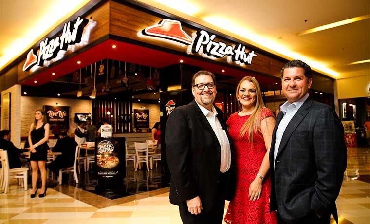 Pizza Hut abre restaurante con nuevo concepto