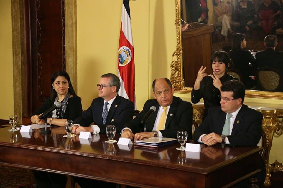 Costa Rica no recibirá más cubanos