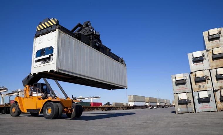 Exportaciones caen 16% a noviembre
