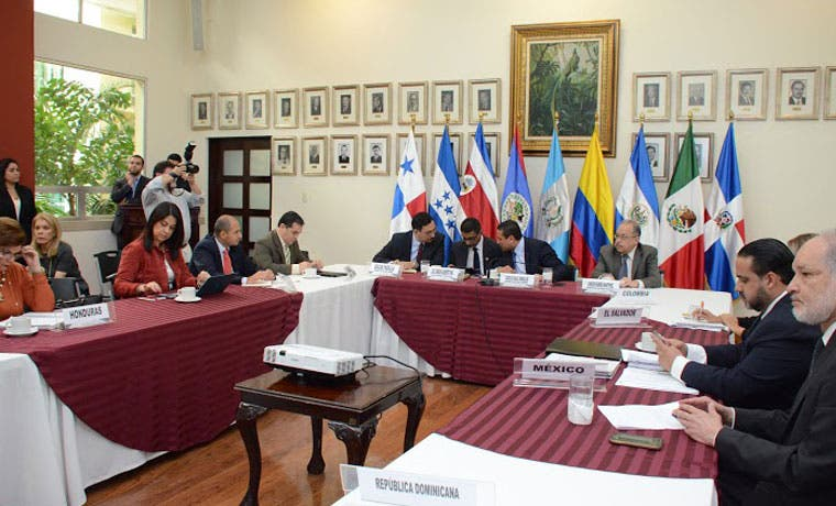 Guatemala pide garantías para abrir territorio a cubanos