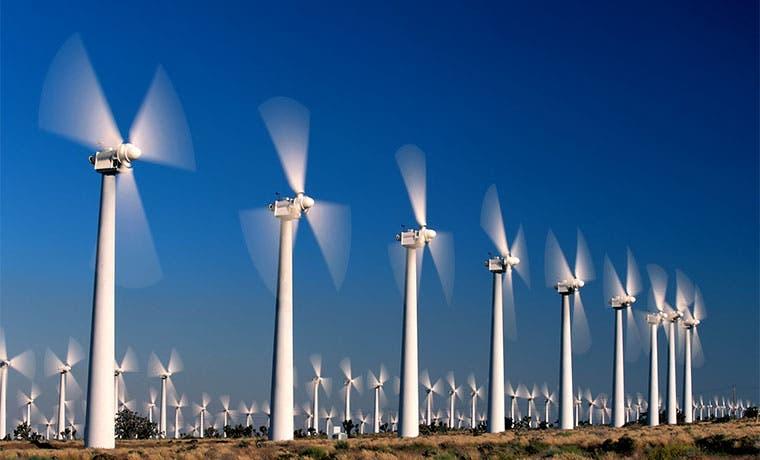 Empresas españolas de energía renovable cierran 2015 en extremos