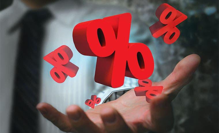 Tasa monetaria cae, pero intereses para el público siguen altos
