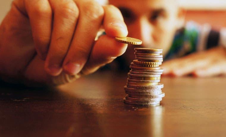"""Un 57% de mayores de edad afirman haber estado """"cortos"""" de dinero"""