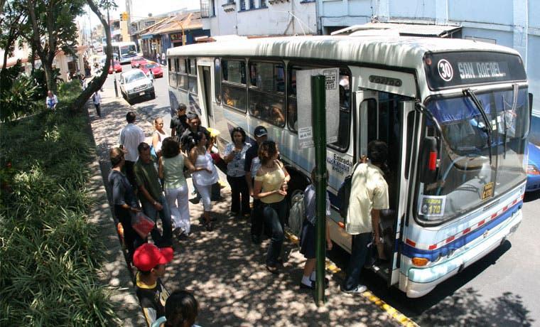 Pago electrónico en buses iniciaría en segundo semestre