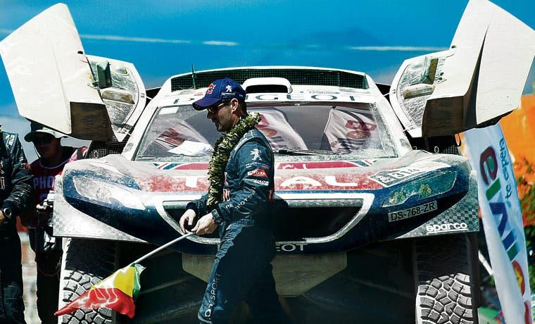 Peugeot sigue cómodo en Dakar