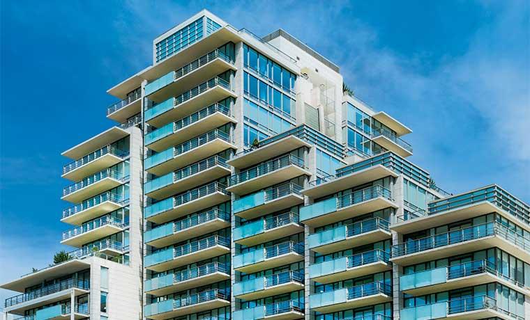 Torres ganan peso frente a condominios horizontales