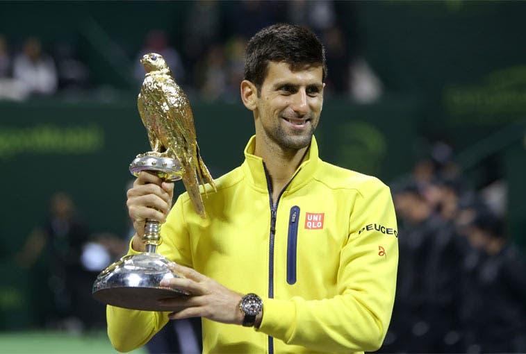 Djokovic golpea la mesa en Catar