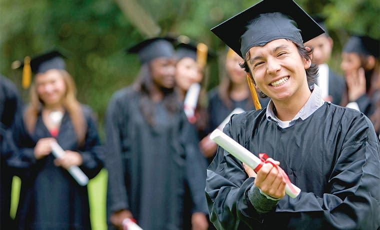 Colegios públicos logran alta promoción en bachillerato internacional