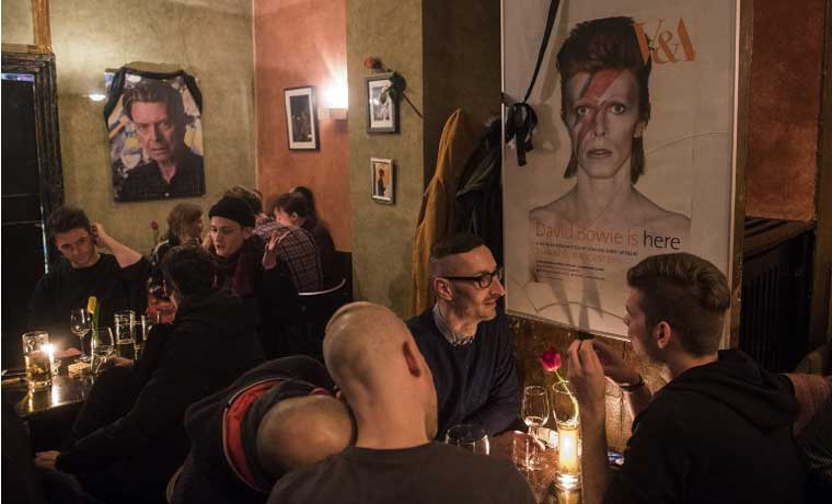 Petición para bautizar calle de Berlín con nombre de David Bowie