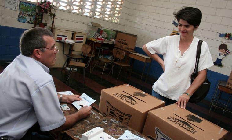 Elecciones municipales son importantes pero se desconoce candidatos según encuesta de la UCR