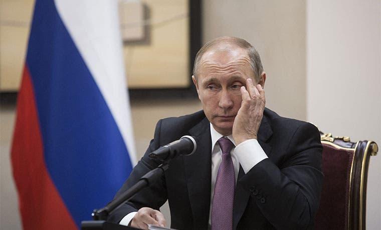 Oligarca ruso envía advertencia al círculo de Putin