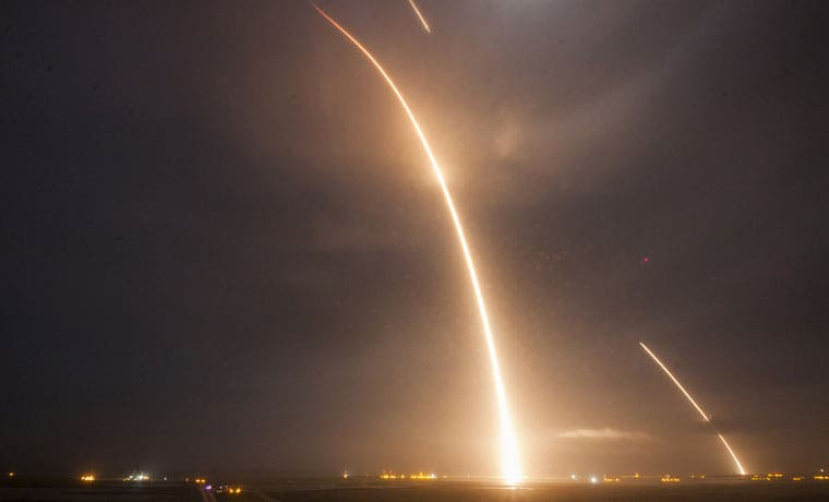 NASA incorpora nuevo competidor de SpaceX con naves reutilizables