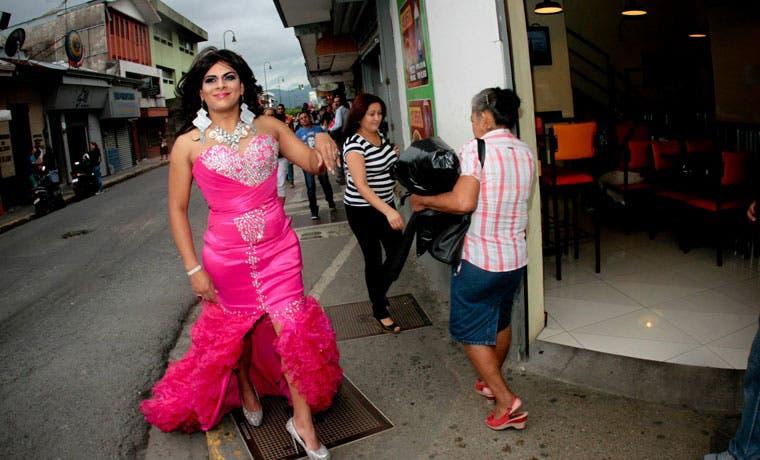 Personas transgénero podrían definir su género en cédula, según proyecto de ley