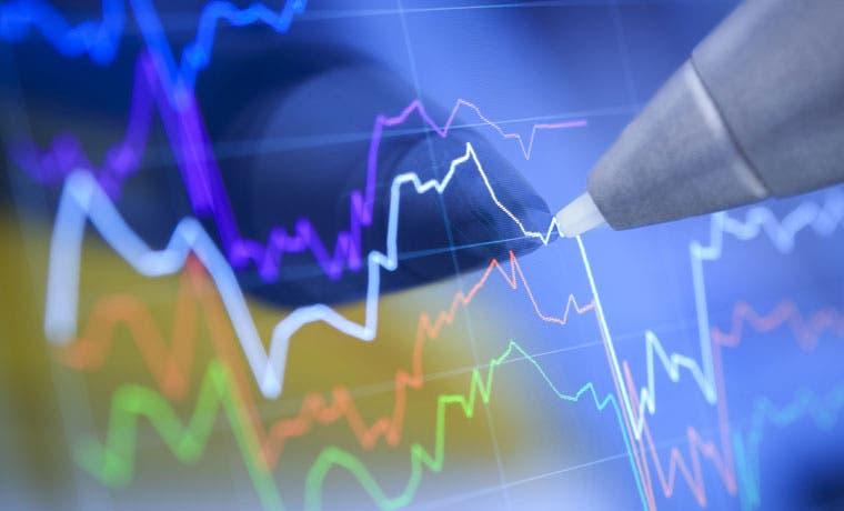Fitch mantiene perspectiva negativa a calificación de riesgo del país