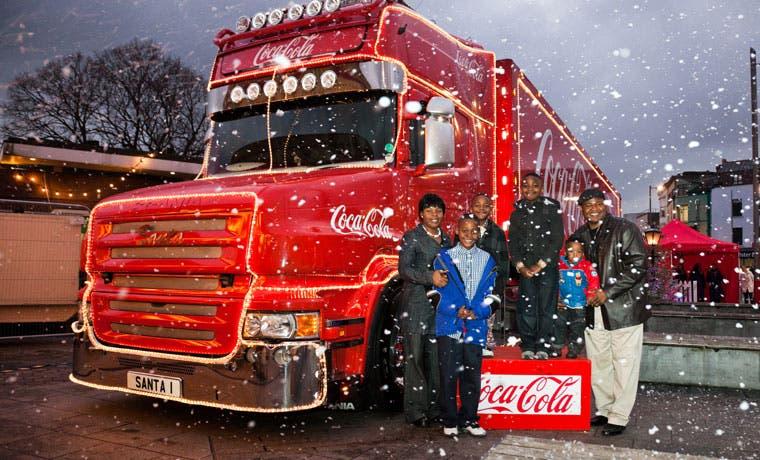 Familia Coca Cola por primera vez unida en campaña