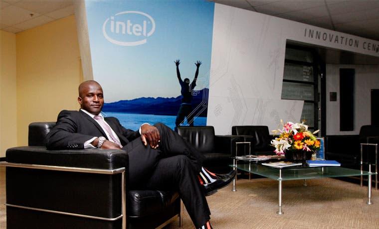 Intel cumple la meta de contratar a 2 mil empleados
