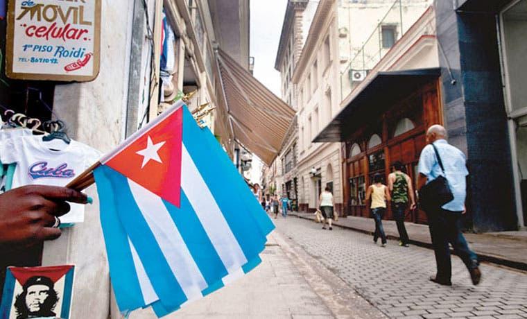 Costa Rica buscará un país tercero para deportar cubanos