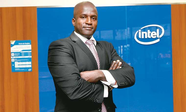 Intel invierte entre $5 mil y $7 mil por capacitar a cada empleado