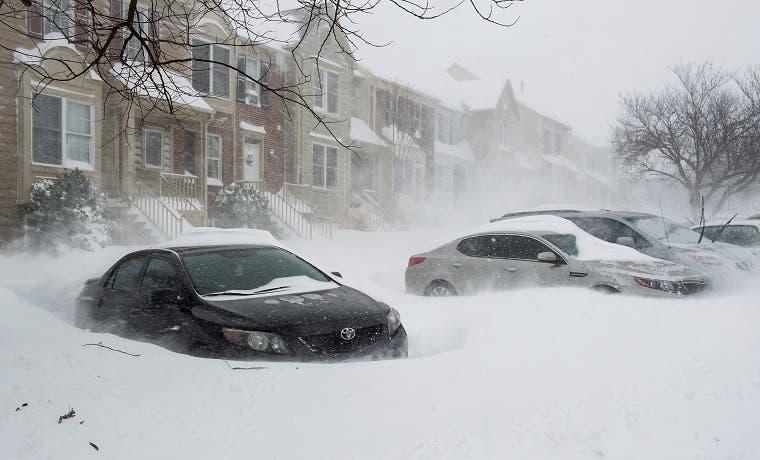 Histórica tormenta de nieve cae en Washington y Nueva York