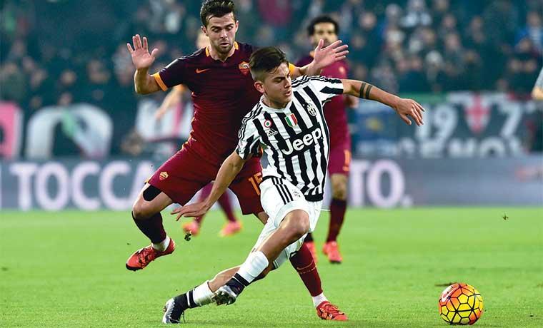 Napoli sigue líder pero ya siente la presión de la Juventus