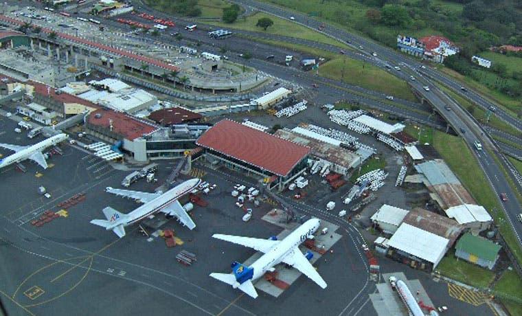1.400 pasajeros afectados por falla de Interpol en el Juan Santamaría
