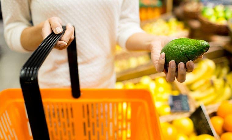 Aguacate Hass se estabiliza, pero sigue caro en supermercados