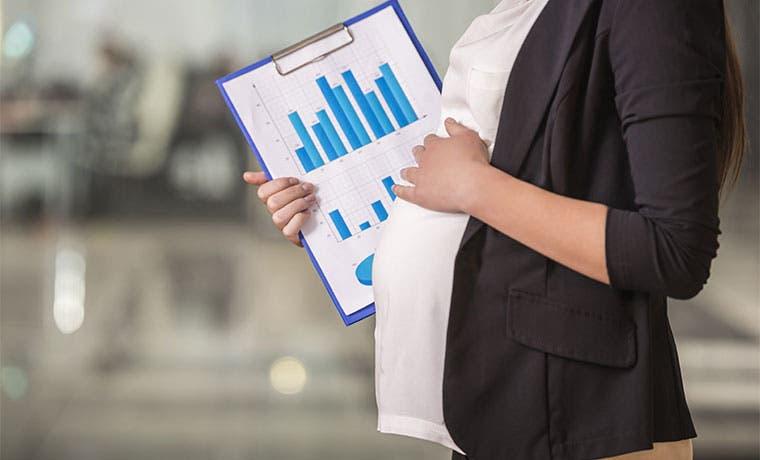 Caja gastaría el 1% de sus ingresos en licencia por maternidad