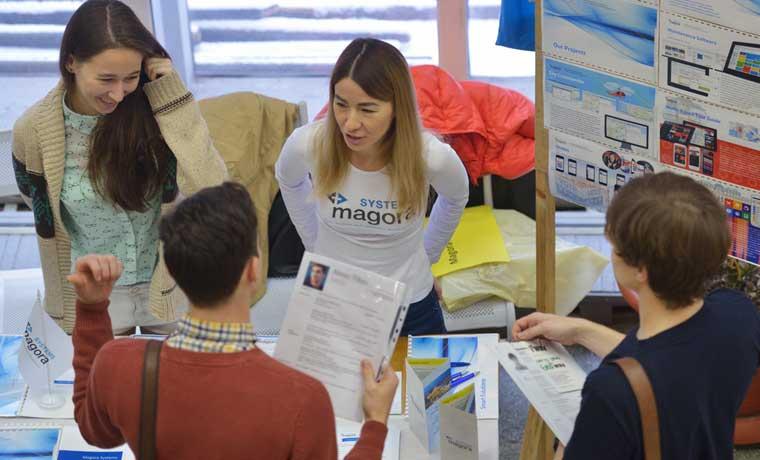 Más de 30 empresas buscarán personal en Expoempleo