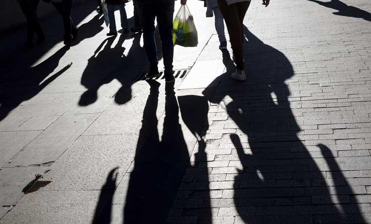 El desempleo español cae a su mínimo en casi cinco años