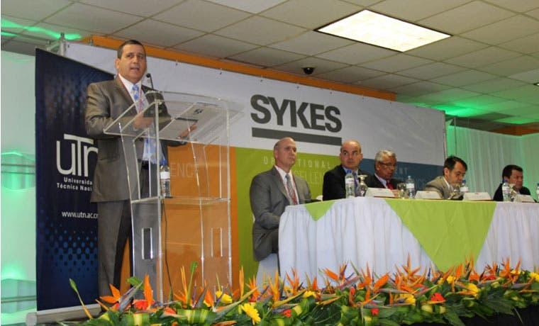 UTN y Sykes gradúan primer grupo de jóvenes especializados en inglés