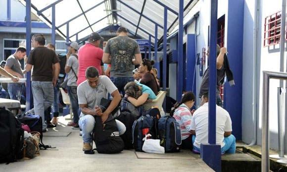 Cubanos que salgan de forma irregular perderán visa