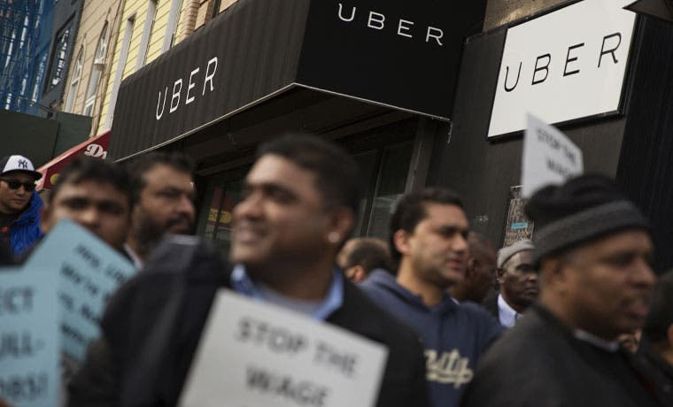 Conductores de Uber protestaron contra recortes de tarifas en Nueva York