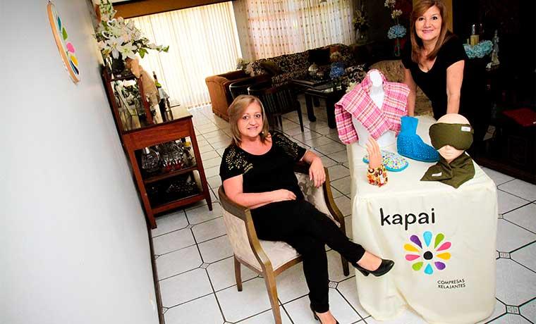Amas de casa se convierten en empresarias gracias a compresas