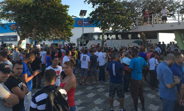Segundo grupo de cubanos saldrá hoy del país tras sueño americano