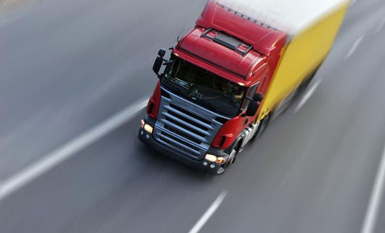Camiones pesados tendrán restricción este fin de semana