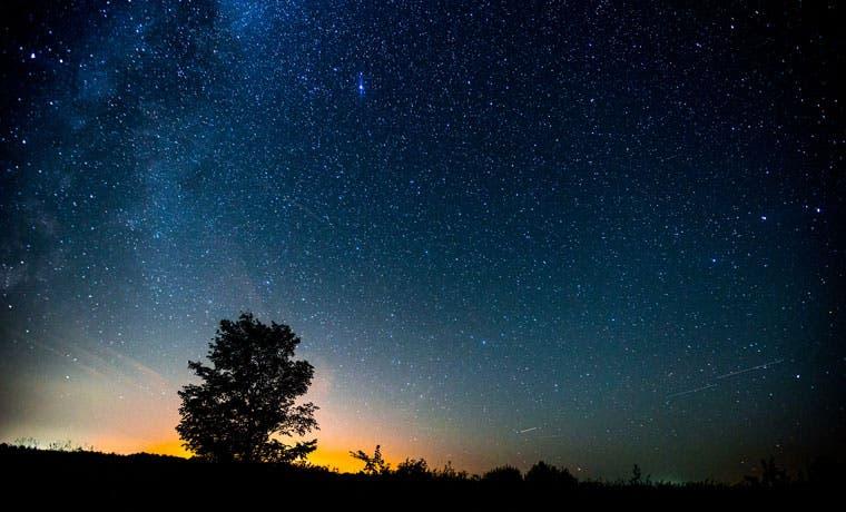 Mañana será el mejor día para ver sol, luna y cinco planetas simultáneamente