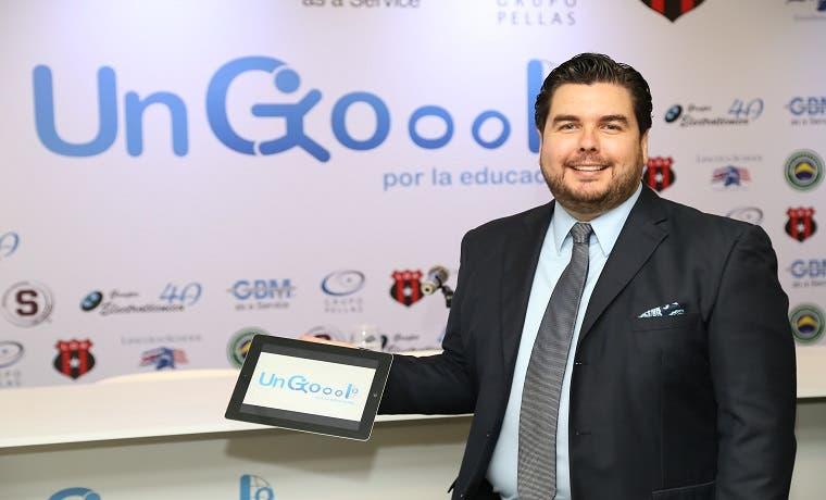 """""""Un Gol por la Educación"""" otorgó 299 iPads a instituciones"""