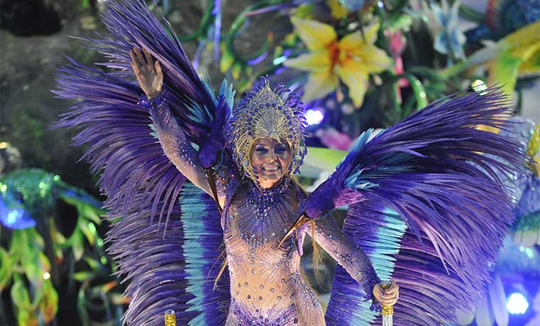 Festejo del Carnaval en Brasil también acusa recibo de la crisis