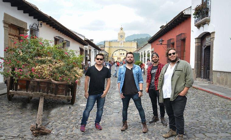 Banda tica busca apoyo para gira