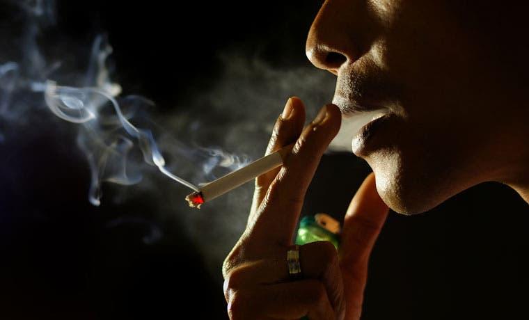 Ticos gastan hasta 20 mil colones mensuales en cigarrillos
