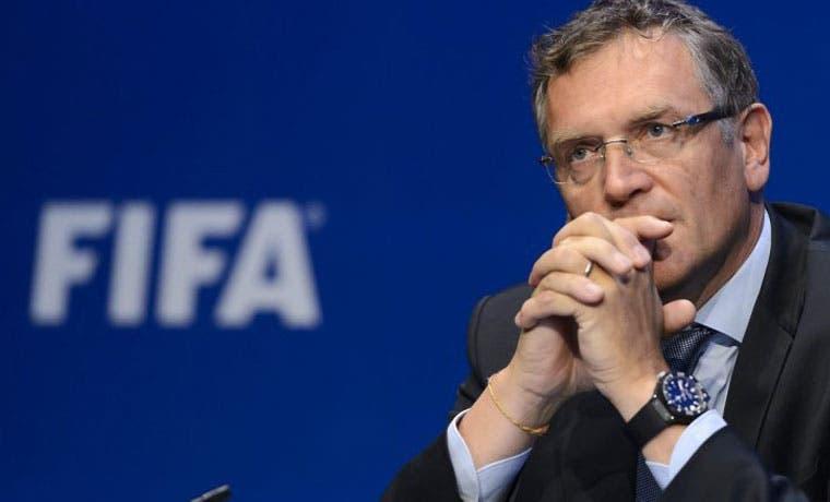FIFA suspende 12 años a exsecretario general