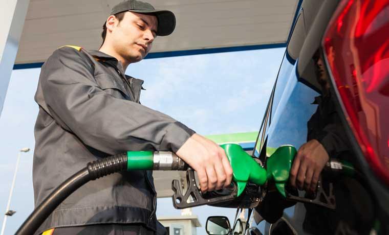 Baja en gasolina es la segunda más importante en diez años