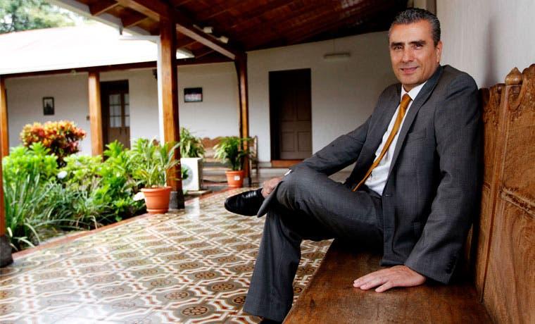Otto Guevara presenta proyecto de ley para vender Bicsa