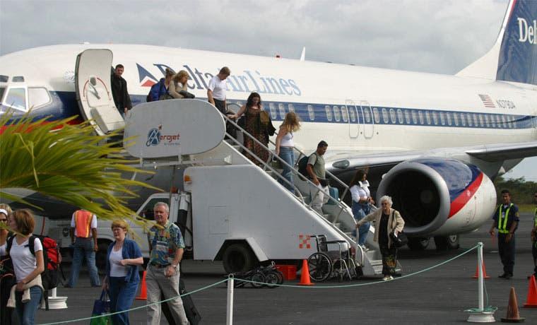 Temporada alta causa récord en ventas de combustible en aeropuerto de Liberia