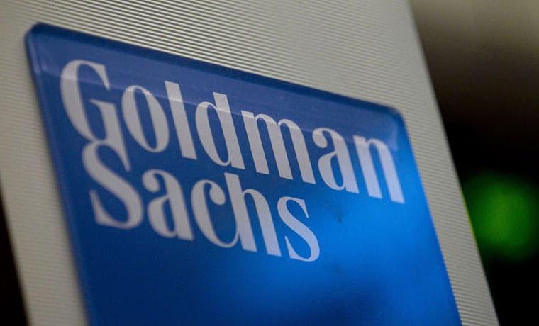 Congelar producción de petróleo no afecta precios, según Goldman