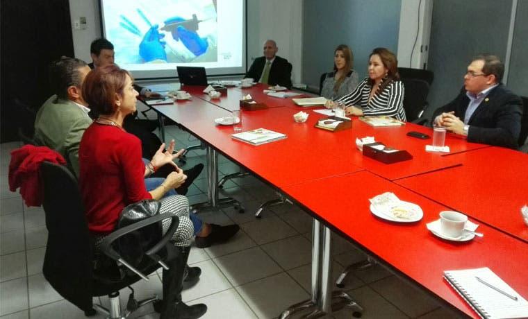 Alianza institucional impulsará exportación de servicios médicos