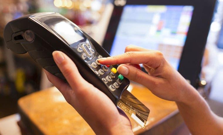 Conozca el sobrepago de financiarse mal con tarjetas de crédito
