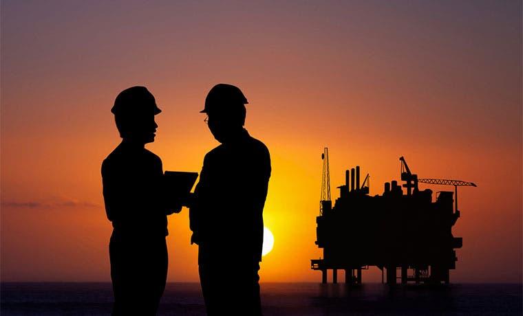 Arabia Saudí no recortará la producción de petróleo