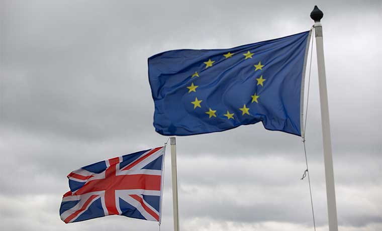 Brexit triplicaría probabilidades de recesión en Reino Unido