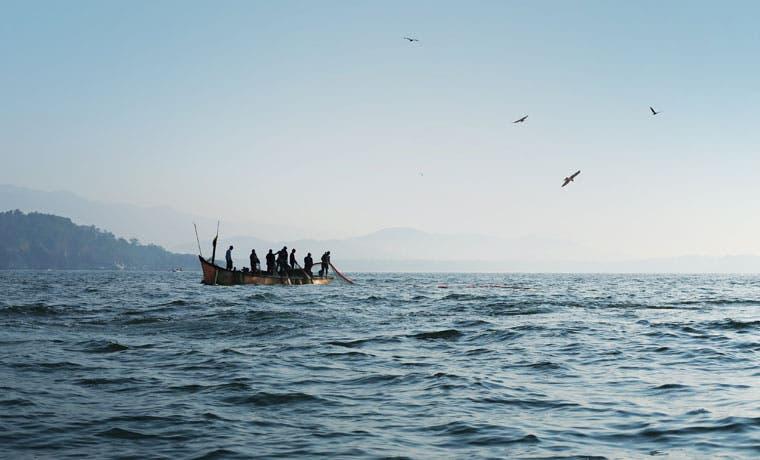 Pescadores piden frenar uso de redes con arrastre